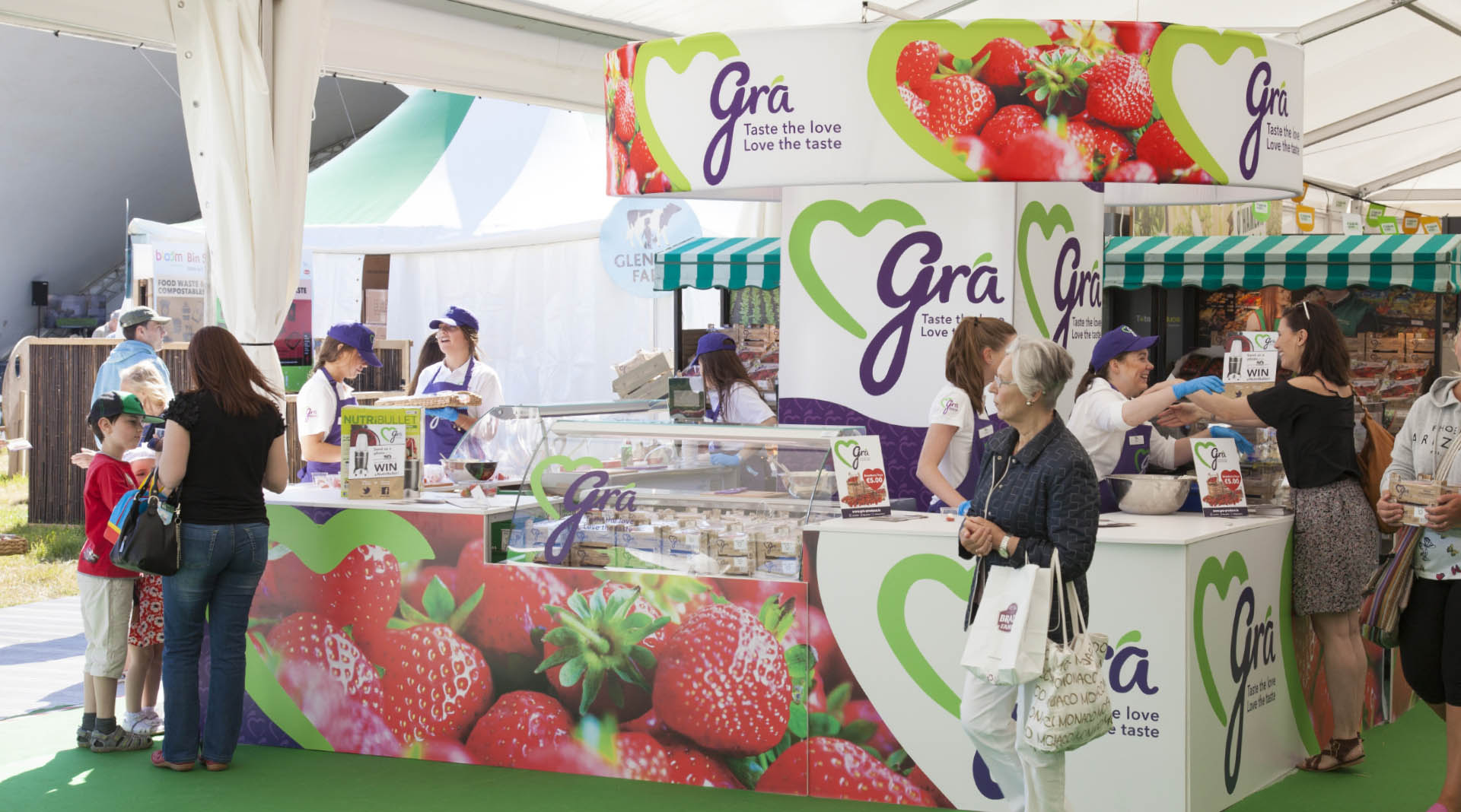 Gra Branding and Food Packaging Display Stand Bloom 2016.